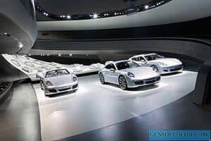 الواجهات الديناميكية صالة عرض بورش الجديدة في ألمانيا